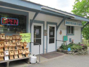 farm store front
